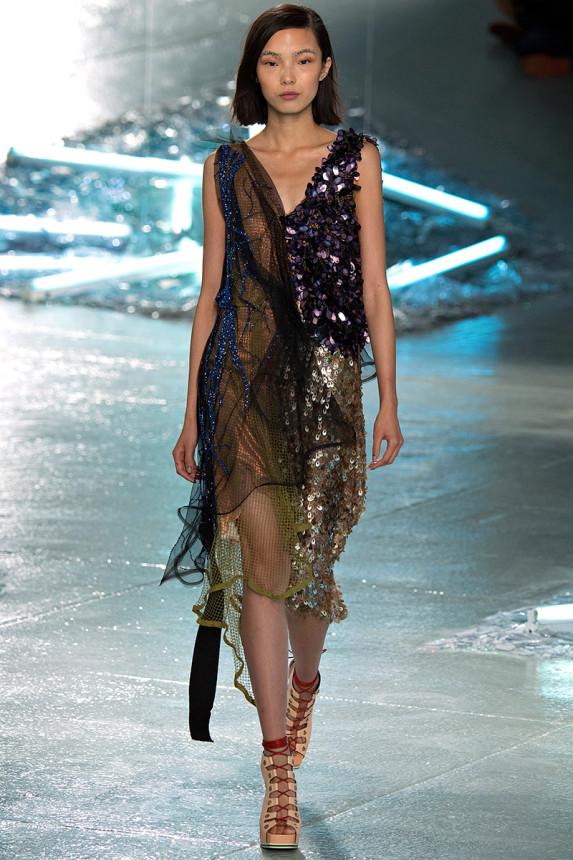 source, Vogue.com Photo: Yannis Vlamos/Indigitalimages.com